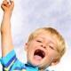 Kind reckt den Arm hoch, Vaterschaftstest