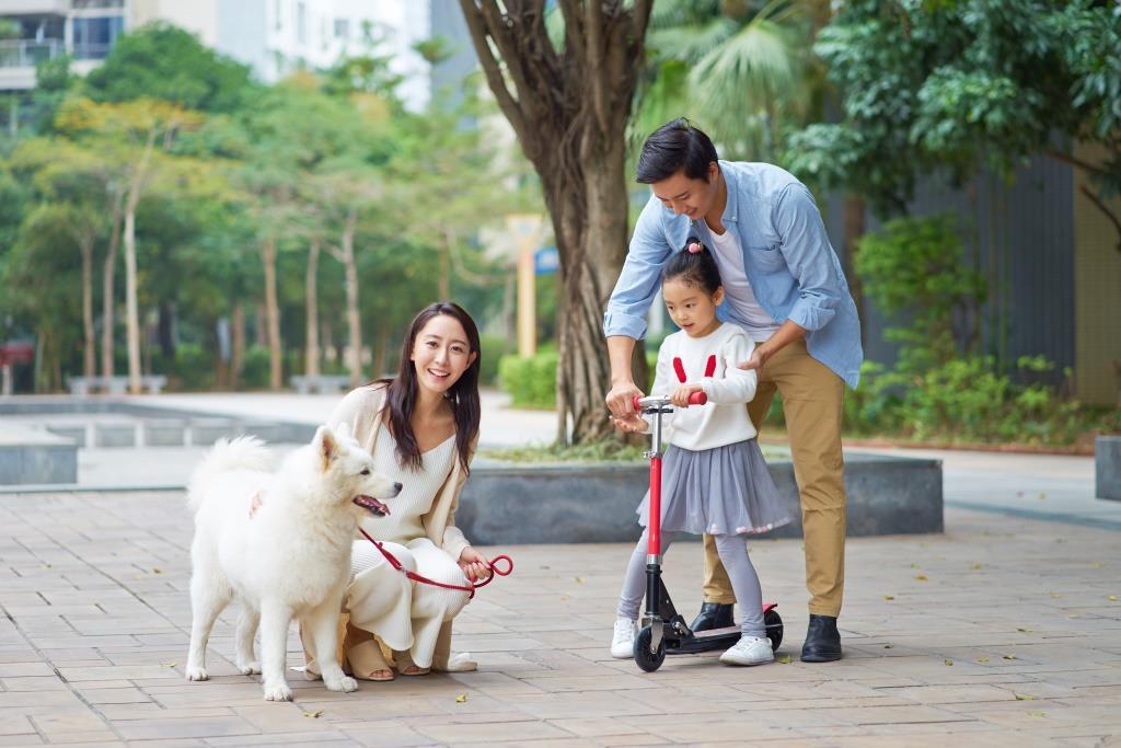 China-family-pet
