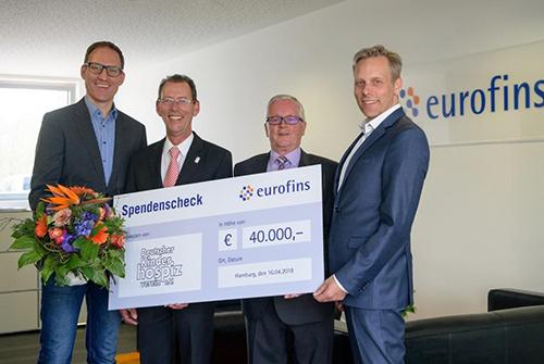 Eurofins Spendenscheck-Übergabe an den Kinderhospizverein