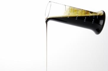 Becherglas mit Schmierstoff